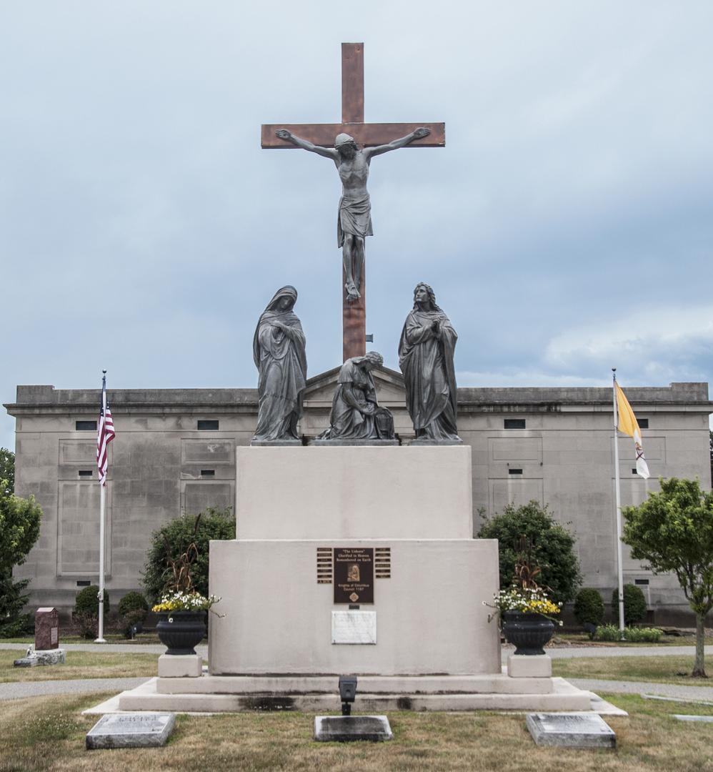 Unborn Children Monument of Fostoria Fountain Cemetery 1.jpg