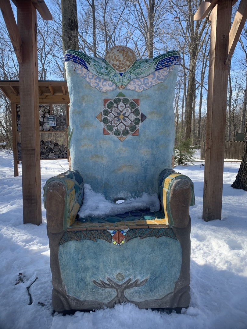 Frontal view of Nature Throne