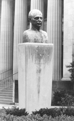 00546 Senator Robert Alphonso Taft Memorial.jpg