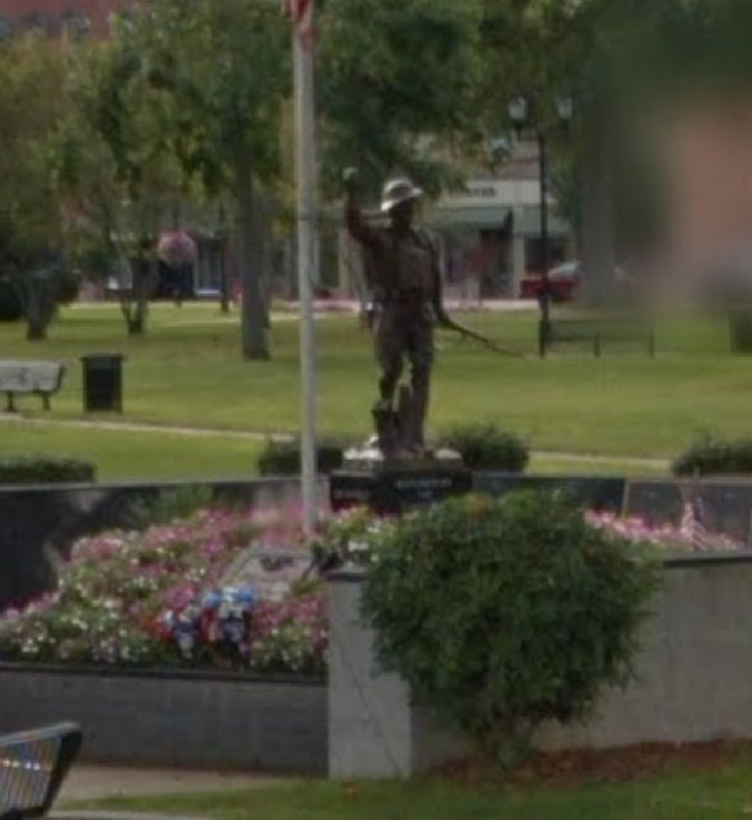 Gallipolis_Doughboy_StreetView.png