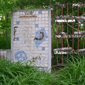 Hudson, J.B. PEACE WALL & MOON GATE berlin & prison.JPG