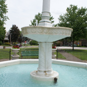 Loudonville Fountain Middle.JPG
