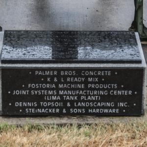 Veterans' Memorial of Fostoria Fountain Cemetery 3.jpg