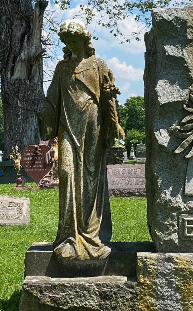 Egelston grave statue photo1.jpeg