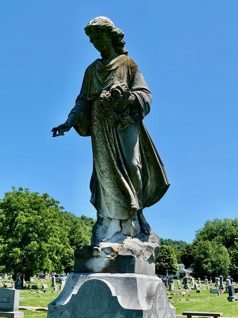 Helbling grave statue closeup.jpeg