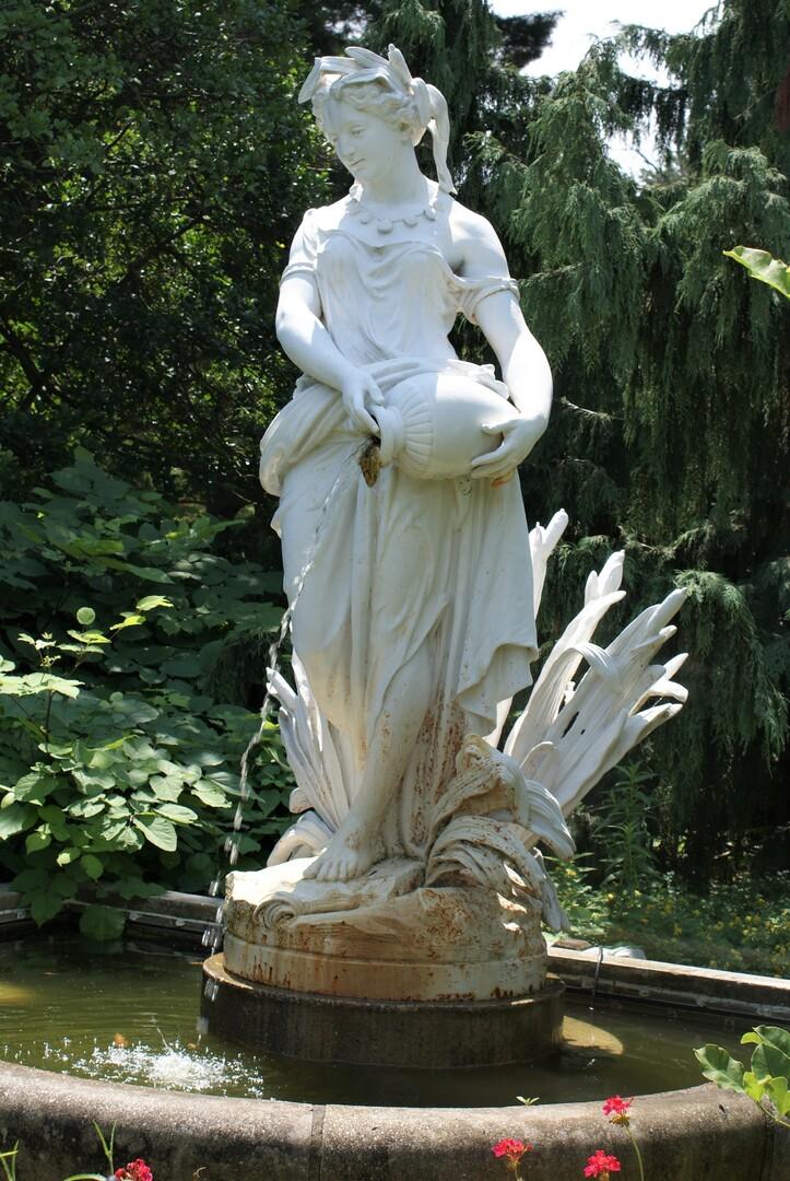 Grecian Lady.JPG