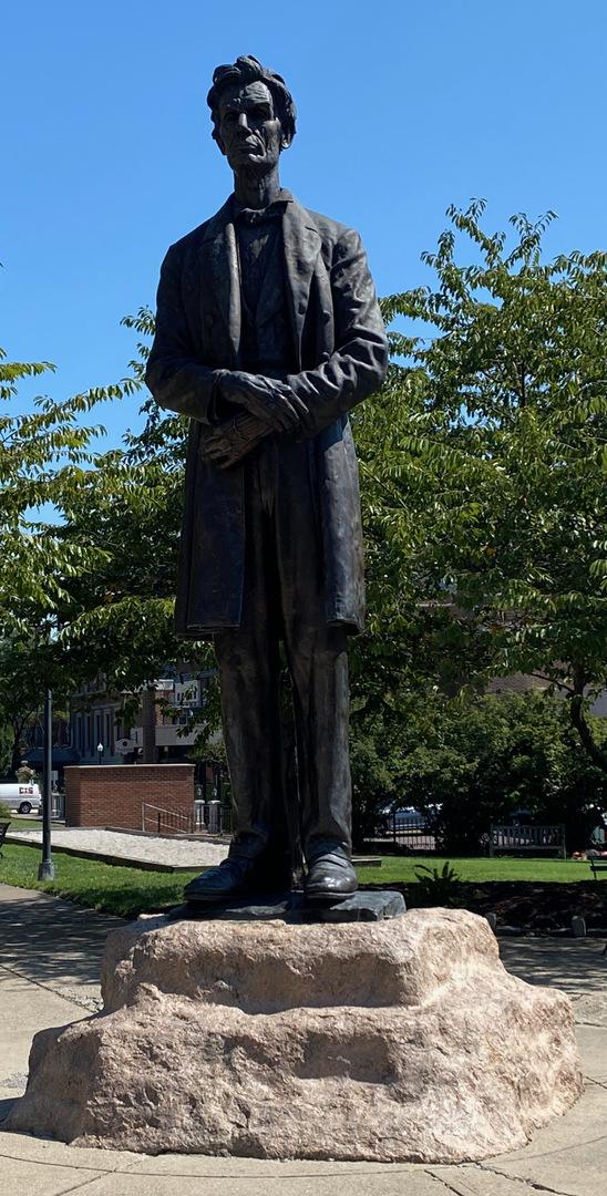 Lincoln photo1.jpeg