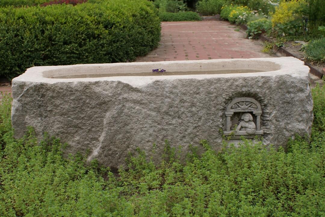 Garden Trough 1.JPG