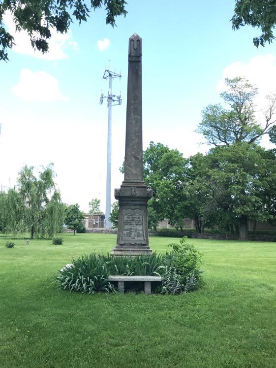Franklinton Cemetery Obelisk 1.png