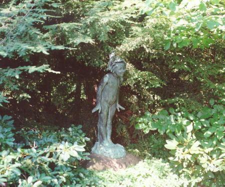 00182 Delia White Vail Monument.jpg