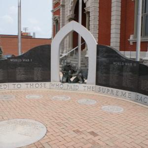 Defiance War Memorial.JPG
