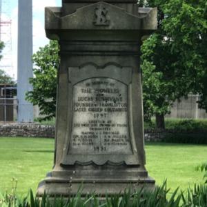 Franklinton Cemetery Obelisk 2.png