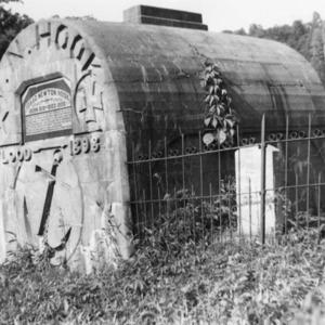 1950 hooks tomb.png
