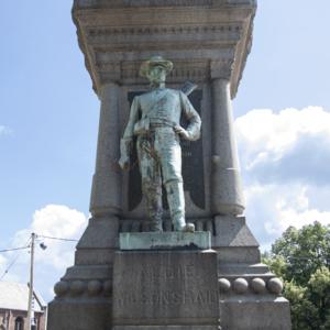 Civil War Monument 4.jpg