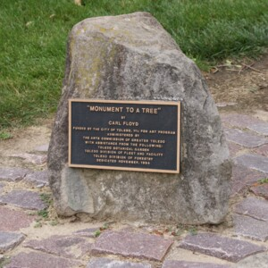 Monument to a Tree Plaque.JPG