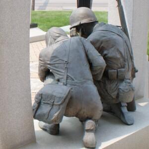 Defiance War Memorial statue rear.JPG
