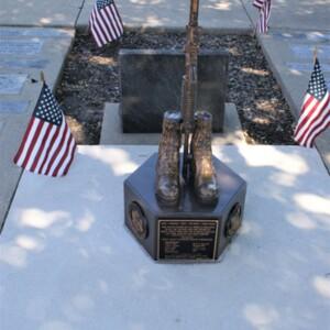 Henry Memorial Battle Cross Front.JPG