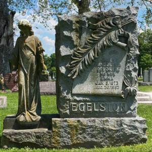 Egelston grave statue photo2.jpeg